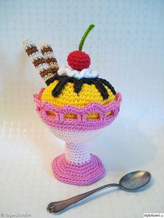 Crochet Icecream Dessert - Glassbägare, virkat, rosa, gul, grädde, dagenskreativa, glass