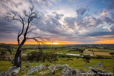 Sunset over Barossa Valley - Australia - photo by Isaak Schiller Photography