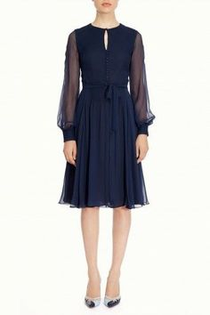 Love this Beulah Sabitri - Navy Dress. Can definitely see the Duchess of Cambridge wearing this!