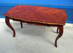 Tavolino da salotto '900 in stile Luigi XV in mogano piano sagomato
