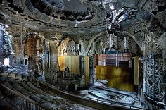 The ruins of Detroit - Yves Marchand & Romain Meffre Photography