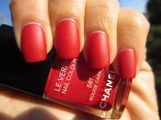 CHANEL Le Vernis Rouge Carat #587 Holiday 2011 mattified