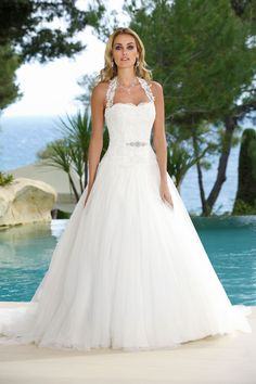 Looking for that special princess wedding dress with that romanic feel? Take a look at the romantic and sexy Ladybird Princess wedding dress collection. Cute Wedding Dress, Princess Wedding Dresses, Wedding Bridesmaid Dresses, Tulle Wedding, Dream Wedding Dresses, Bridal Dresses, Wedding Gowns, Wedding Dress Accessories, Beautiful Gowns