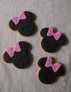 Minnie Mouse Cookies Minnie Mouse Cookies, Mickey Mouse, Cookie Designs, Baby Shoes, Kids, Young Children, Boys, Baby Boy Shoes, Children