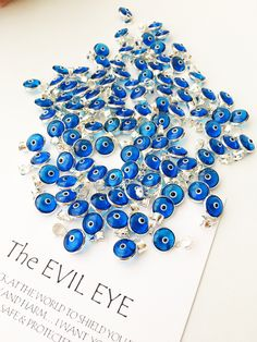 Evil Eye Jewelry, Evil Eye Necklace, Diy Jewelry Supplies, Cute Jewelry, Gold Jewelry, Jewlery, Plastic Jewelry, Evil Eye Charm, Glass Beads