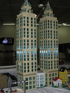 Brickfair 2010 - Global Corp HQ