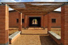 Centro Comunitário de Manica / Alina Jerónimo + Paulo Carneiro + Architecture for Humanity