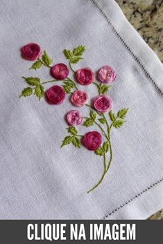 Embroidery Rose from Surface Embroidery Hand until Jdr Brazilian Embroidery Thread round Embroidery Hand Embroidery Patterns Flowers, Crewel Embroidery Kits, Hand Embroidery Videos, Embroidery Stitches Tutorial, Learn Embroidery, Rose Embroidery, Hand Embroidery Designs, Embroidery For Beginners, Cross Stitch Embroidery