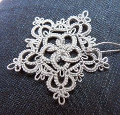 * * * UPDATE * * *  (29.03.14)   I'm going with Megan's suggestion (thank you!)  and will call this motif    Rose & Crown    I originally t...