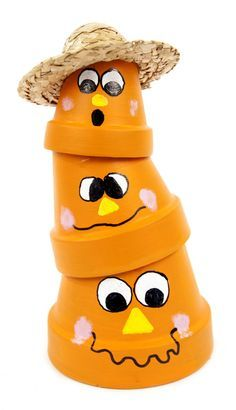 Stacked Scarecrow Pots #claypot #craft #halloween I'm going to reverse the faces on my topsy turvy pots lol