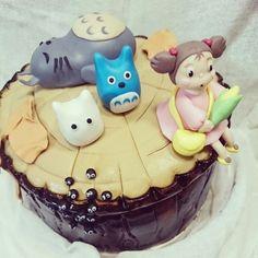 Totoro cake. #Totoro www.lavandacakes.com