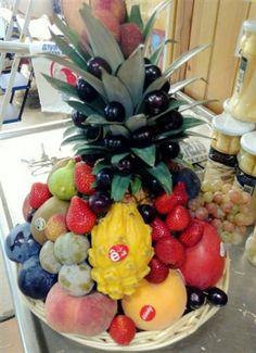 ¿Sabías que con la fruta se puede hacer verdadero arte?🍊🍎🍐🍉🍇🍓🍍🥝 ¡Algunos de nuestros clientes nos lo demuestran en sus fruterías con cestas super creativas!😄😍