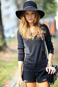 #JosephineSkriver leaving her hat on #offduty in Milan.