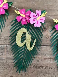 Moana Birthday Party Theme, Luau Theme Party, Hawaiian Party Decorations, Moana Party, Moana Decorations, Homemade Party Decorations, Moana Theme, Flamingo Party, Flamingo Birthday