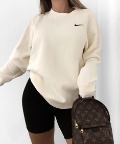 Stylish Everyday Outfits Ideas For Fall Season « voguee. Cute Lazy Outfits, Chill Outfits, Mode Outfits, Stylish Outfits, Casual Sporty Outfits, Cute Simple Outfits, Athleisure Outfits, Swag Outfits, Teen Fashion Outfits