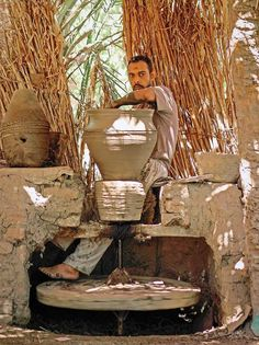 Traditional potter's wheel