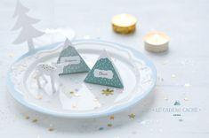 """DIY / selber machen: """"Cadeau Thé"""" - dreieckige Teebeutel kaufen (z.B. von Teekanne), Papier bemalen und damit einpacken ;-)..."""