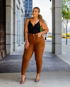 Plus Size High-Waisted Pants Outfit Sexy Casual Outfits, Casual College Outfits, Curvy Outfits, Fall Outfits, Summer Outfits, Plus Size Fall Outfit, Plus Size Fall Fashion, Plus Size Outfits, Black Women Fashion