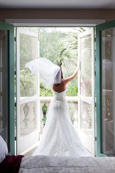 bride - cool idea for back of dress photo