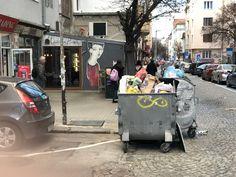 Eine typische Bulgarische Gasse Baby Strollers, Children, Pictures, Baby Prams, Young Children, Boys, Kids, Prams, Strollers