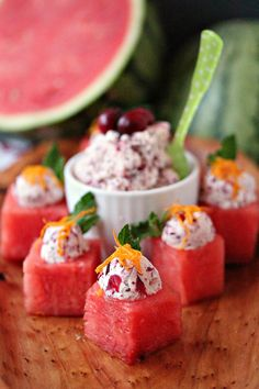 This recipe puts a winter spin on watermelon. Think outside the box when it comes to easy appetizers. These watermelon cups are filled with Cranberry Mascarpone and garnished to perfection! Watermelon Appetizer, Watermelon Recipes, Fruit Recipes, Cooking Recipes, Great Appetizers, Appetizer Dips, Appetizer Recipes, Summer Fruit, Summer Desserts