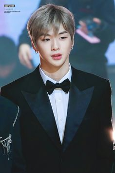 All things Kang Daniel here! From Produce 101 moments to Wanna One shenanigans! Samoyed, Busan, Law Of Love, Daniel K, Produce 101 Season 2, Kim Jaehwan, Ha Sungwoon, Seong, 3 In One