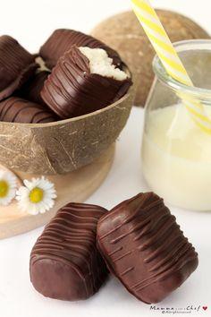 I bounty light sono dei cioccolatini con un ripieno al cocco, leggeri e senza burro. Sono freschi e buonissimi, ideali soprattutto in estate.