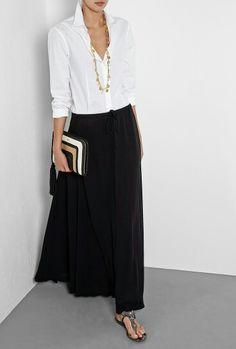 Black chiffon maxi skirt with white blouse over 60 fashion, over 50 womens fashion, Over 60 Fashion, Over 50 Womens Fashion, Fashion Over 50, Look Fashion, Fashion Design, Fashion Black, Petite Fashion, Fashion Spring, Autumn Fashion Women Over 40