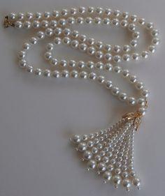 Vintage 1970s Glass Pearl Tassel Necklace ~ #Vintage #Jewelry #Pearls #VintageJewelry #Fashion #TasselNecklace #Tassel #Style #Beauty #Etsy #Design by StarliteVintageGems, $24.00