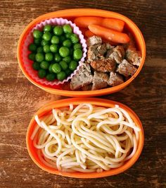 Plain spaghetti, no sauce meatballs, and a veggie they like - send a toothpick for fun eating Bento Box Lunch, Box Lunches, How To Eat Better, Family Organizer, Kid Friendly Meals, Kids Meals, Spaghetti, Veggies, Meal Ideas