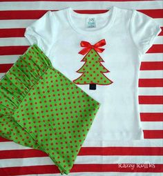 Oh, Christmas tree!  This simple and sweet appliqued Christmas tree will brighten the holidays. https://www.etsy.com/shop/RazzyRuffles #appliqueshirt #razzyruffles