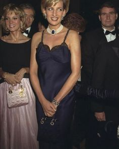 1996 Princess Diana - 95 of the Best Met Gala Moments Ever Princesa Diana, Diana Fashion, 90s Fashion, Dress Fashion, Lady Diana Spencer, Princess Of Wales, Real Princess, John Galliano, Queen Of Hearts