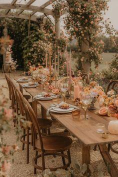 Orange And Pink Wedding, Apricot Wedding, Orange Wedding Flowers, Wedding Colors, Peach Color Palettes, Wedding Decorations On A Budget, Decor Wedding, Sequin Wedding, Wedding Coral