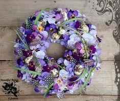 1173701_461203964004372_2112842618440194127_n Wreath Watercolor, Seasonal Flowers, Xmas Decorations, Pansies, Flower Art, Flower Crowns, Flower Arrangements, Floral Design, Floral Wreath