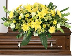 Fort Worth Florist - Flower Shop - Flower Delivery Same Day! Best Flower Delivery, Flower Delivery Service, Casket Flowers, Funeral Flowers, Hot Pink Roses, Yellow Roses, Flower Shop Network, Green Carnation, Casket Sprays