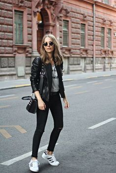 Get the shoes for 109 at farfetch com wheretoget weekend outfits of november Adidas Outfit, Adidas Superstar Outfit, Adidas Shoes, Fall Outfits, Casual Outfits, Cute Outfits, Fashion Outfits, Rock Chic Outfits, Fashion Ideas