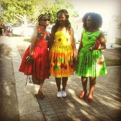 Photo from makhasisindisiwe African Attire, African Wear, African Women, African Dress, African Print Fashion, African Fashion Dresses, African Prints, Pedi Traditional Attire, Traditional Outfits