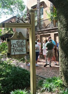 Great ideas of things to do/see/eat while in Savanna, Tybee Island, and Hilton Head.