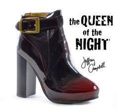 Pronte per festeggiare il nuovo anno?? Ultimo suggerimento di #stile per completare il tuo outfit. Con #JeffreyCampbell non puoi sbagliare >>  http://bit.ly/1EHNw6R #scarpe #shoes #celebrations #modadonna