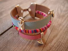 #armband #zomer #sieraden #workshop #leer #blauw #roze