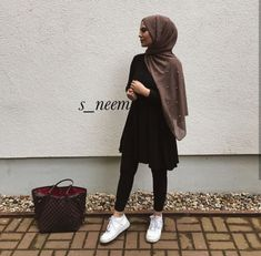 Muslim Fashion 713820609669811032 - super Ideas for dress casual hijab muslim Source by mefoeottou Hijab Outfit, Heutiges Outfit, Hijab Casual, Outfits Casual, Dress Casual, Casual Hijab Styles, Hijab Fashion Casual, Hijab Fashion Summer, Hijab Chic
