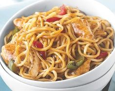 Chicken Lo Mein Skillet Meal by Schwan's Price: $11.28 Chef Jet Tila, the award-winning and nationally recognized chef of Asian cuisine, presents a Chinese classic that is sure to be a family favorite. The term Lo Mein literally means mixed or stirred noodles, so it's no surprise that we stir-fry noodles with chicken, fire roasted onions, green and red peppers and bean sprouts in a savory Lo Mein sauce. Fast skillet cooking for a meal ready in under 15 minutes.