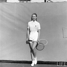 ya'll should still dress like this in tennis @Emma McRae