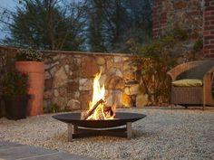 Foyer extérieur design | #basileek #brasero #feu #exterieur jardin #terrasse #design