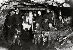 Gallery in a coal mine in the Ruhr Basin. Germany. Photography. Around 1880. (Photo by Imagno/Getty Images) [Kohlenbergwerk: Stollen in einem Kohlenbergwerk des Ruhrgebietes. Deutschland. Photographie. Um 1880]