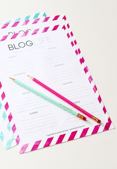 Printable FREE weekly blog planner - Instant download.  This planner will help you schedule and organize your blog post and help you get more readers and followers.  http://www.reidunbeate.com/2015/08/23/free-weekly-blog-planner-download-now/