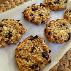 These Gluten-Free Vegan Carrot Cake Cookies are soft and chewy, fruity and fragrant, and healthy enough for breakfast! Gluten Free Cookie Recipes, Gluten Free Cookies, Diabetic Recipes, Healthy Recipes, Healthy Sweets, Healthy Snacks, Healthy Eating, Clean Eating, Gm Diet Vegetarian