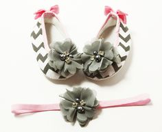 Gray Flower Chevron Crib Shoes w/Pink Bows & Headband Set