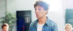When he cocked his head to the side like a curious cat: 29 Times Louis Tomlinson Was Delightfully Darling Best Song Ever, Best Songs, Jim Morrison Movie, King Of The World, Curious Cat, Like A Cat, Louis Williams, 1d And 5sos, Eric Clapton