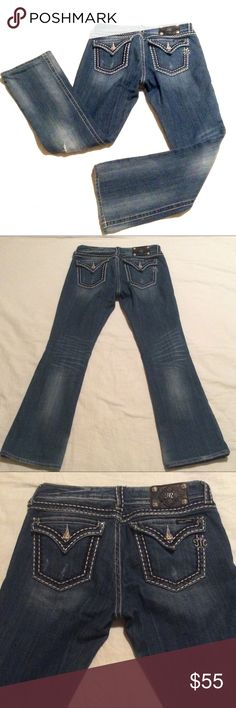"""Miss Me Distressed Bootcut a Jeans Great overall condition! Size 30 and has a good amount of stretch. Measurements: 16"""" waist, 8"""" rise, 18"""" seam to seam, 31"""" inseam. No trades and reasonable offers only! Miss Me Jeans Boot Cut"""